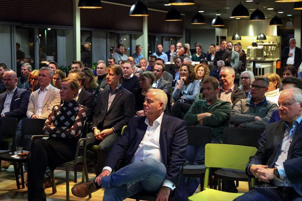Businessclub FC Aalsmeer - Waterdrinker - Meer voor ondernemers